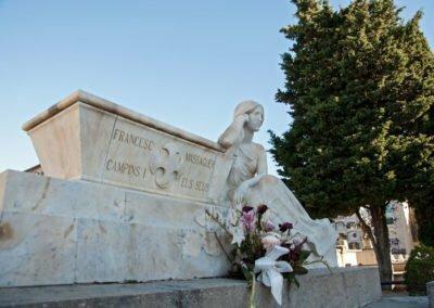 Escultura de marbre
