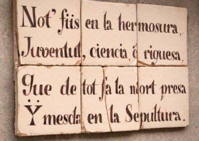 Inscripció a la paret