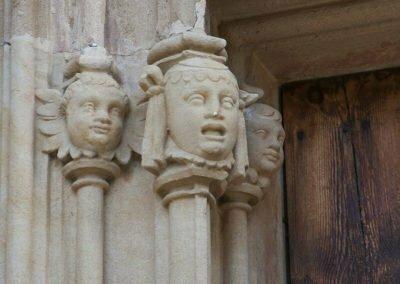 Escultures a la columna